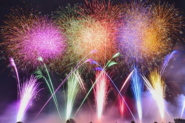 総数一万発以上! 東京、夏の花火大会‼!